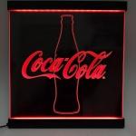 Painel Coca-Cola fundo preto