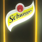 Display Latinha Schweppes