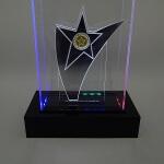 Troféu de LED com efeito espelhado